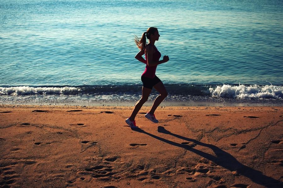 en forma en la playa