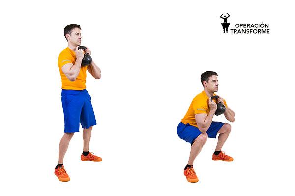 sentadilla cáliz goblet squat kettlebell