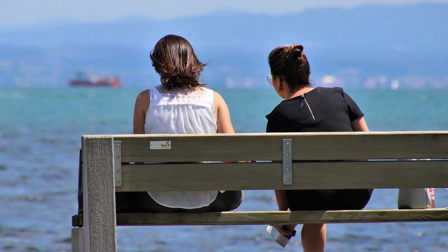 Por qué hablar con extraños es bueno para el cerebro